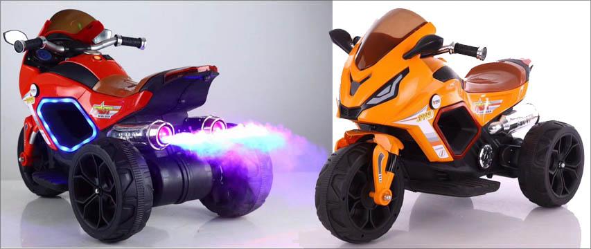 Kul elektrisk motorsykkel med lys og røyk