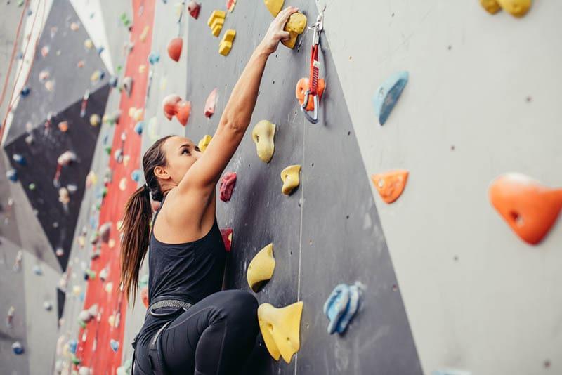 Gøy med innendørs klatring